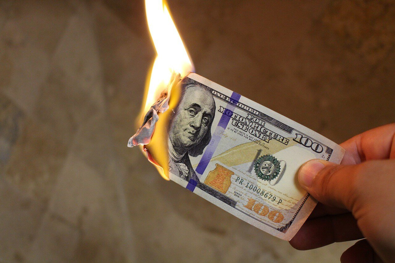 burning-money-2113914_1280(1)