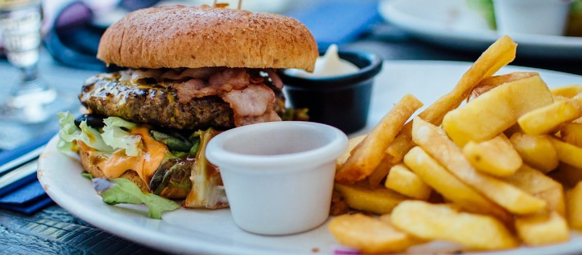 food-dinner-lunch-unhealthy-70497.jpg